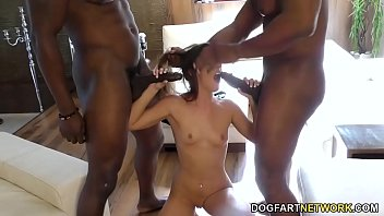 BBC Slut Amirah Adara Offers Up All Three Of Her Sweet Holes! Vorschaubild