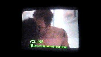 Nataly Tavares teniendo sexo y Javiera Franco mirando Roommates Hbo