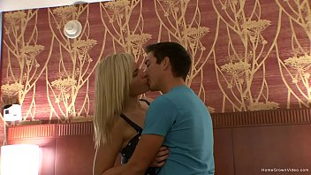 Gorgeous blonde amateur fucking her new boyfriend thumbnail