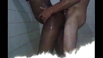 Casada fodendo no banheiro com o comedor - Casal Alex Clau