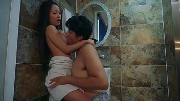Sexy Korean Actress Hot Sex in Bathroom