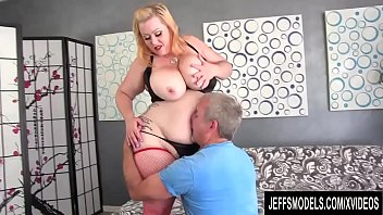 Heel high model sexy - Sensational plumper bunny de la cruz gets rammed by a horny geezer