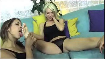 Sammie Rhodes Get her feet worship