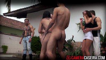 Porno amador brasileirocom brasileirinhas na orgia louca