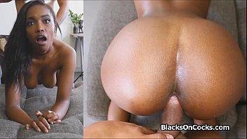 Ebony Teen Painal