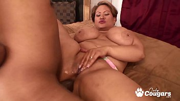 Thick & Curvy Cougar Long Island Fills Her Asshole With Dick