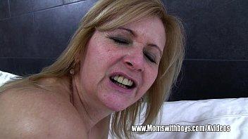 Old Blonde Caretaker Catches Boy With Porn Vorschaubild