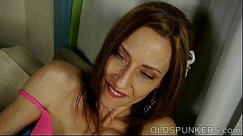 Lovely leggy old spunker imagines you were fucking her juicy pussy Vorschaubild