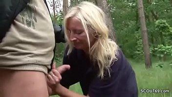 Hot Girls Twerking - german milf politesse laesst sich outdoor von fremden ficken thumbnail
