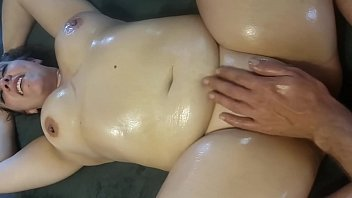 I can't last long with those oily fat natural tits bouncing - Horny Nicky
