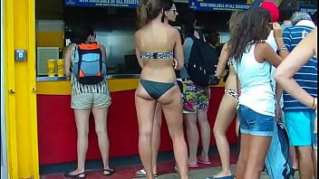 Candid brunette whooty black bikini booty of NYC2