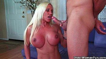 Big clit milf Ashlee Chambers gets creamed porno izle