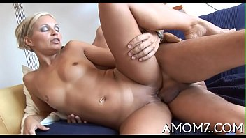 Free download mature movies Mama rides like a insane cowgirl