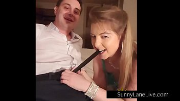 Blow job fan club Sexy sunny lane sucks off lucky fan