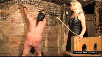Shoking cruel porn movie Caning a slave - 100 lashes