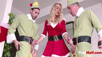 Blonde MILF Mom Fucks Her Two Elfs- Brandi Love thumbnail