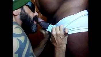 Gay black mas - Rola grossa na boca e no rabo
