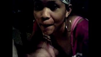 Negra Africana Chupando Rola Branca