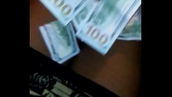 Tristina Millz couting cash