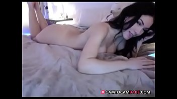Beautiful girl nude live show on cam