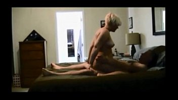 Amateur milf gets fucked on hiddencam • more on bitchescams.com