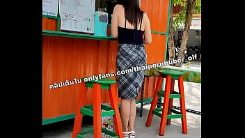 Dildo penetrates Thai girl's pussy while buying a smoothie