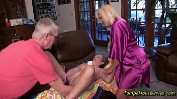 Housewives fuck repairman This taboo family dont mind being quarantined