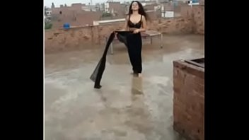 hot dance outdoor indian teen saree girl