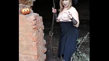 Chubby pic Backstage of my yestoday halloween photoshoot