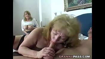 Chubby Granny Share Young Cock With Her Friend Vorschaubild