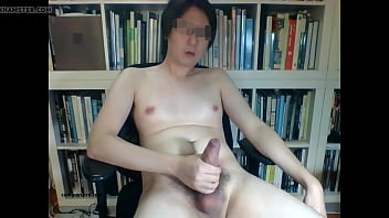 soloboy gay-masturbation Asian Cam Guy Beats Off And Cums ( Camguyspro.com )