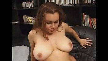 young girl with natural tits - BIGNATURALS69.COM