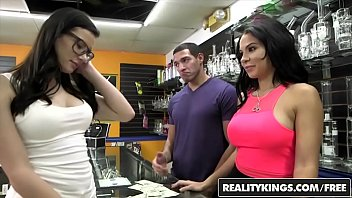RealityKings Money Talks (Dylan Daniels, Kymberlee Anne) Pass The Pussy