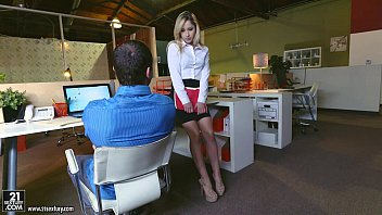 Free dating girls with foot fetish - Goldie rush - footsie in the office