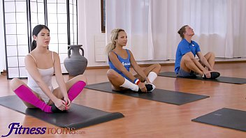 Fitness Rooms Lexi Dona shares fit black girl Romy Indy with her husband