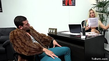 Big cock tranny anal fucks in office