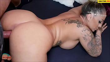 Amateur pov with tattooed busty milf