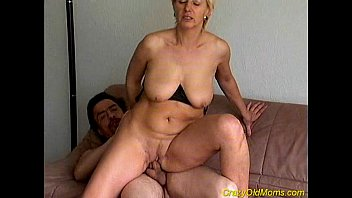Old mom sex video