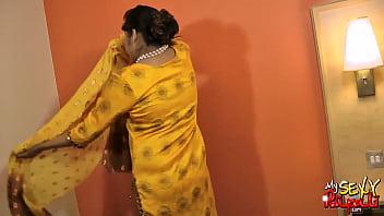 Indian mature babe Indian pornstar sexy babe rupali