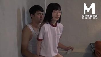 【国产】麻豆传媒作品/MD-0089女高中生肉偿 003/免费观看