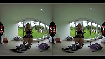 VRLatina.com - Veronica Leal in 5K VR Hottness