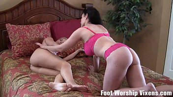 Lorianna sneaks in and worships Shilos feet