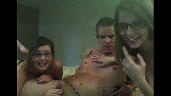 Awesome Webcam Threesome - vixxxcam.com thumbnail