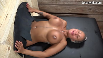 Cristina Cielo gets fucked and fisted in female gloryhole! 6分钟