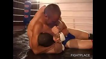 Bearhug gay wrestling - Gay wrestling on fightplace 01