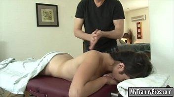 Pretty tranny Alexa Scout anal screwed