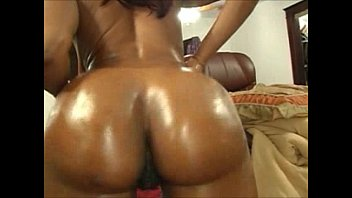 Cocos ass video - Big booty coco she got paht and juicy booty