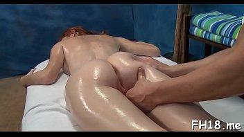 Luscious booty Dee Dee Lynn gets orgasm