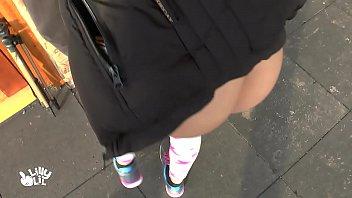 ชักว่าวใส่สาวริมถนนโคตรเงี่ยนเลยห้ามพลาดเด็ดมากจริงๆเลยห้ามพลาด