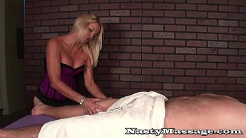 Annoyed masseuse slaps a dirty dick